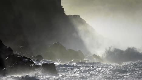 Large-ocean-waves-roll-into-the-coast-of-Hawaii-and-break-on-the-shore
