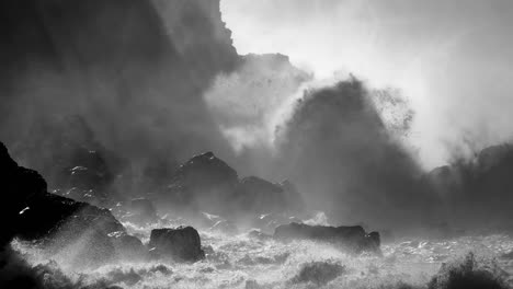 Large-ocean-waves-roll-into-the-coast-of-Hawaii-and-break-on-the-shore-1