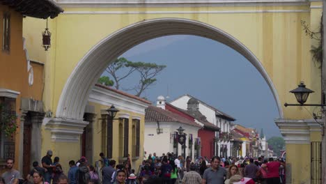 Busy-and-crowded-streets-of-Antigua-Guatemala