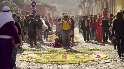 Belebte-Und-überfüllte-Straßen-Von-Antigua-Guatemala-Während-Des-Osterfestes