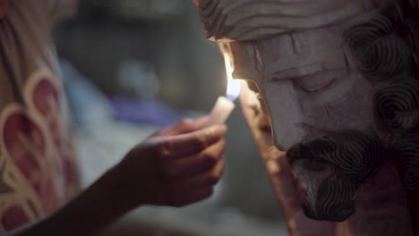 Woodcarvers-in-Antigua-Guatemala-carve-souvenir-wooden-effigies-of-Jesus-Christ-during-easter-week-Semana-Santa-7