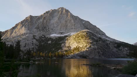 Early-morning-light-on-Pine-Lake-and-the-High-Sierra-1