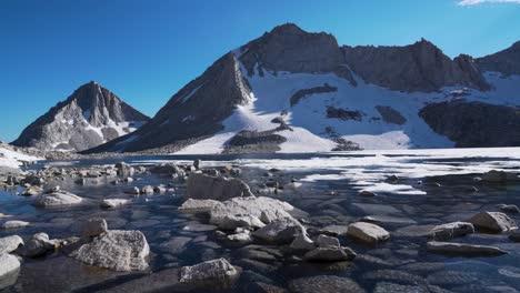 Pristine-High-Sierra-Nevada-scenery-at-Royce-Lake-1