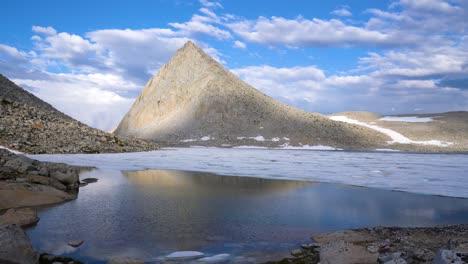 Pristine-High-Sierra-Nevada-scenery-at-Royce-Lake-3