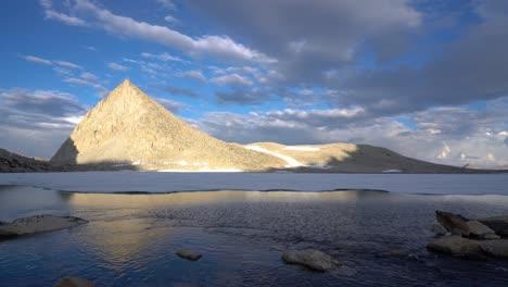 Alpine-reflections-in-a-pristine-High-Sierra-lake-1