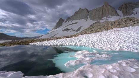 Reflection-of-Royce-peak-on-High-Sierra-lake