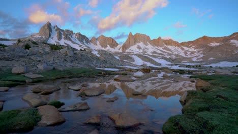 High-Sierra-alpine-peaks-and-water-in-Granite-Park-4