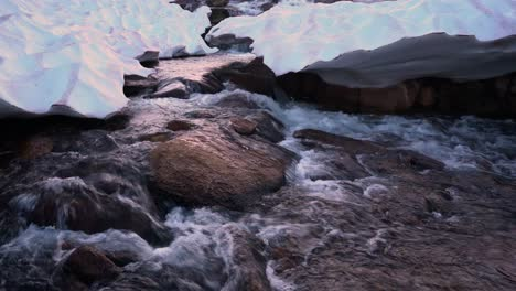 Clear-cold-running-water-in-a-high-mountain-stream-1