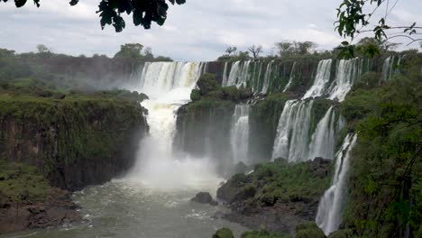 Stunning-view-of-roaring-waterfalls-at-Iguazu-NP-1
