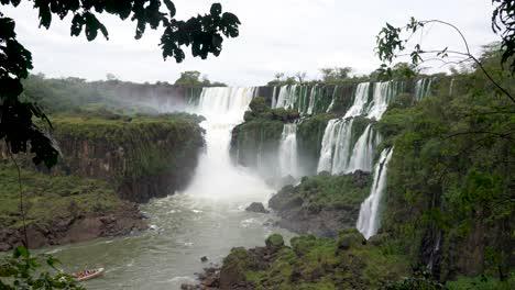 Stunning-view-of-roaring-waterfalls-at-Iguazu-NP-2