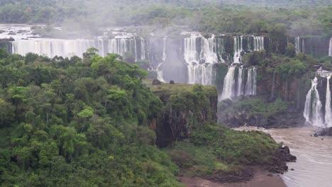 View-from-Brazil-of-Iguazu-Falls-in-Argentina-10