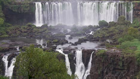 View-from-Brazil-of-Iguazu-Falls-in-Argentina-14