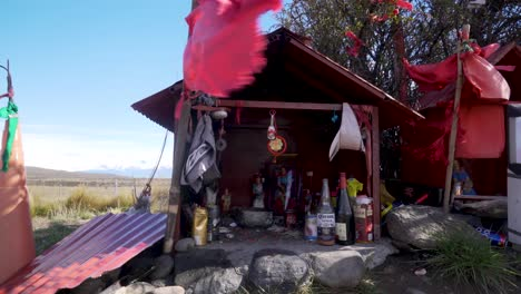 Roadside-shrine-in-Patagonia-honoring-Antonio-Gil-a-religious-folk-hero-in-Argentinas-popular-culture-1