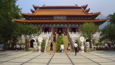 Establecimiento-De-Tiro-Del-Templo-Budista-En-Tian-Tan-Buddha-En-La-Isla-De-Lantau-Hong-Kong-China-1