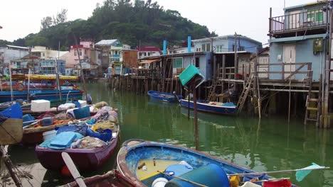 Establishing-shot-from-TiaO-fishing-village-in-Hong-Kong-China-4