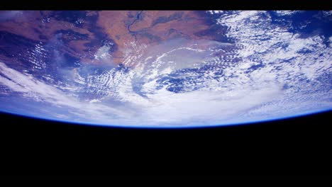 Amazing-Shots-Of-Earth-From-The-International-Space-Station-In-4K-1