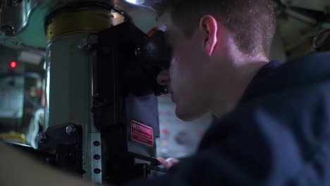 Scenes-Inside-An-American-Nuclear-Submarine