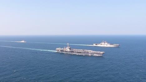 Antena-De-Buques-De-La-Marina-Estadounidense-Y-Portaaviones-Del-Grupo-De-Ataque-De-Portaaviones-John-C-Stennis-2