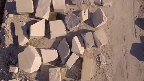 An-vista-aérea-over-a-marble-quarry