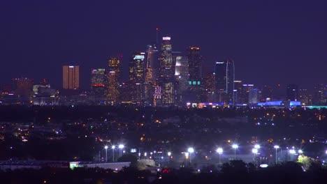 Hermosa-Noche-Estableciendo-Tiro-Del-Centro-De-Los-Angeles