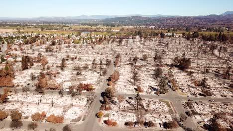 Impactante-Antena-De-La-Devastación-Del-2017-Santa-Rosa-Tubbs-Incendio-Desastre-10