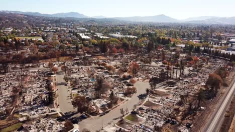Shocking-aerial-of-devastation-from-the-2017-Santa-Rosa-Tubbs-fire-disaster-14