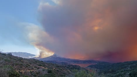 Remarkable-time-lapse-of-the-huge-Thomas-Fire-burning-in-the-hills-of-Ventura-County-above-Ojai-California