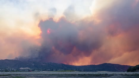 Remarkable-time-lapse-of-the-huge-Thomas-Fire-burning-in-the-hills-of-Ventura-County-above-Ojai-California-1