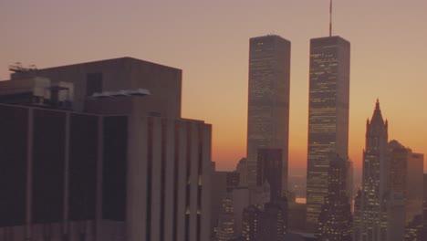 Anochecer-Toma-Aérea-Del-World-Trade-Center-En-Manhattan-Ciudad-De-Nueva-York-3