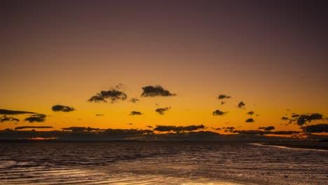 Lapso-De-Tiempo-Hermosas-Nubes-Sobre-El-Océano-En-Mt-Gravatt-Queensland-Australia