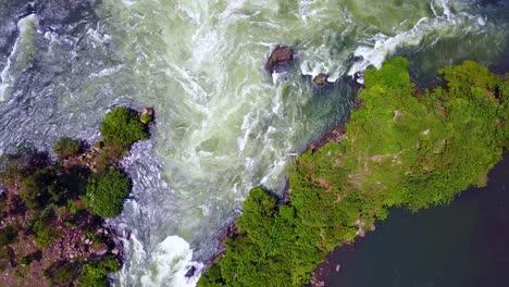 Vista-Aérea-Hacia-Abajo-De-Los-Torrentes-Y-Las-Corrientes-Del-Río-Nilo-En-Uganda