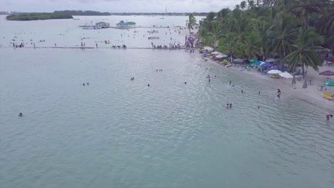 Antena-Sobre-El-Distrito-De-Playa-De-Boca-Chica-En-La-República-Dominicana
