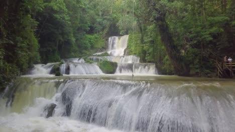 Antena-Moviéndose-En-Ys-Falls-En-La-Parroquia-De-Saint-Elizabeth-Jamaica