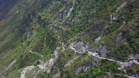 Luftaufnahme-Treppe-Treppe-Hinunter-Zum-Quilotoa-Ecuador-Caldera-In-Den-Anden