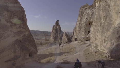 Antena-De-Turistas-A-Caballo-Paseos-A-Caballo-En-Capadocia-Turquía-2