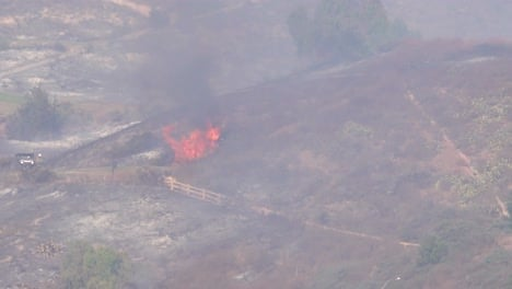 A-Brush-Fire-Burns-Out-Of-Control-During-The-Easy-Fire-Near-Simi-Valley-Los-Angeles-Ventura-County-California-1