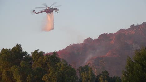A-Helicopter-Makes-Water-Drops-During-The-Easy-Fire-Brushfire-In-The-Hills-Above-Southern-California-1