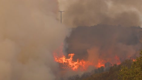 A-Vast-And-Fast-Moving-Wildifre-Burns-As-A-Huge-Brush-Fire-On-The-Hillsides-Of-Southern-California-During-The-Cave-Fire-In-Santa-Barbara-2