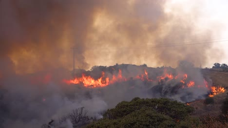 A-Vast-And-Fast-Moving-Wildifre-Burns-As-A-Huge-Brush-Fire-On-The-Hillsides-Of-Southern-California-During-The-Cave-Fire-In-Santa-Barbara-3