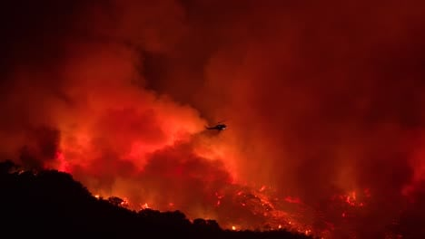 A-Helicopter-Makes-A-Dramatic-Water-Drop-At-Night-Responding-To-The-Cave-Fire-Near-Santa-Barbara-California-1