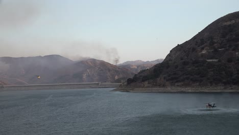 Helicopter-Refilling-Water-Drop-After-A-Brushfire-Holser-Fire-Burns-A-Hillside-Near-Lake-Piru-California-5