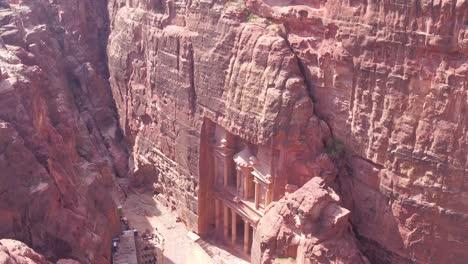 Alta-Antena-Del-Edificio-Del-Tesoro-En-Petra-Jordania