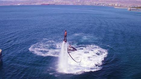 Antena-De-Un-Hombre-Haciendo-Flyboard-En-El-Mar-Rojo-Cerca-De-Aqaba-Jordan-1