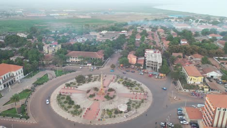 Good-Vista-Aérea-Over-Bissau-In-Guineabissau-West-Africa-Roundabout-And-Streets-A-Typical-West-African-City-1