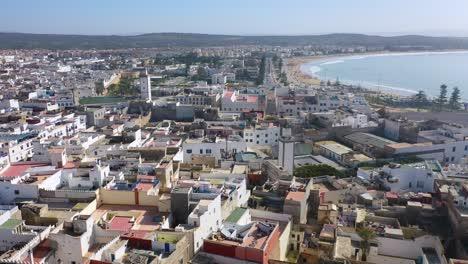Antena-Sobre-La-Antigua-Ciudad-De-Essaouira-Marruecos-Con-Murallas-Y-Medina