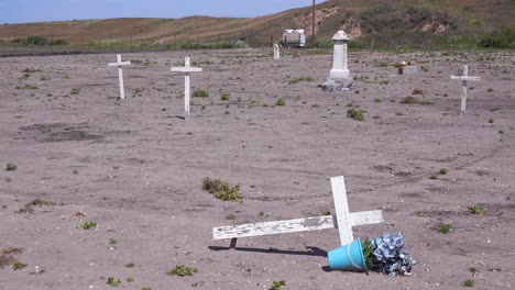 The-Graves-Of-Unknown-Mexican-Immigrant-Hispanic-Farm-Workers-Are-Marked-By-Crosses-In-A-Graveyard-Cemetery-Near-Guadeloupe-3