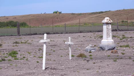 The-Graves-Of-Unknown-Mexican-Immigrant-Hispanic-Farm-Workers-Are-Marked-By-Crosses-In-A-Graveyard-Cemetery-Near-Guadeloupe-6