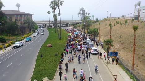 Alta-Antena-A-Lo-Largo-De-Grandes-Multitudes-En-La-Calle-La-Vida-Negra-Importa-Marcha-De-Protesta-De-Blm-Marchando-A-Través-De-Ventura-California-2