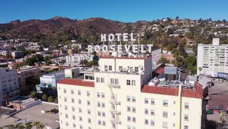 Enfoque-Aéreo-Hotel-Roosevelt-En-Hollywood-Boulevard-En-El-Centro-De-Hollywood-California-1