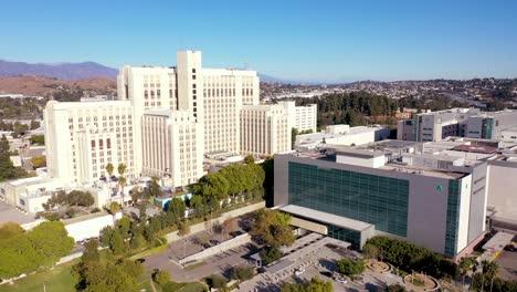 Vista-Aérea-Establishing-Of-The-Los-Angeles-County-Usc-médico-Center-Hospital-Health-Complex-Near-Downtown-La-3
